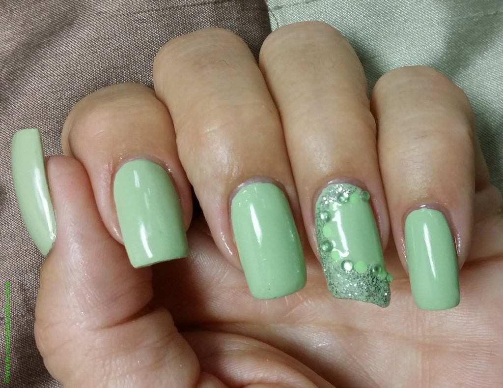 "Sinful Colors ""Song of Summer"" Mani"